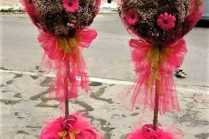 CHRISTENING DECO MARYS FLOWERS BALLS FUCSIA