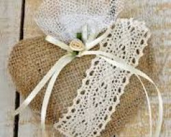 WEDDING FAVOR BURLAP HEART LACE MKR