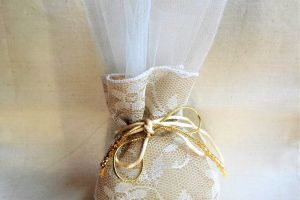 WEDDING FAVOR GAUSE POUCH W LACE K950
