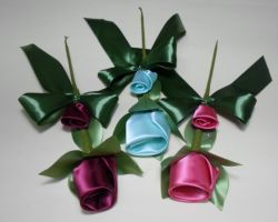 FAVOR SATIN COLORED FLOWERS