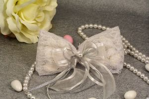 WEDDING FAVOR LACE WHT BOW PEARL